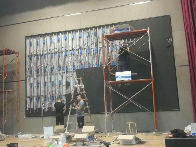 P3室内全彩LED显示屏28平方施工现场