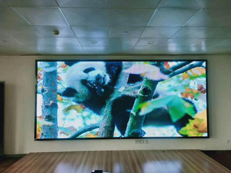 山东万通学院室内全彩led显示屏案例