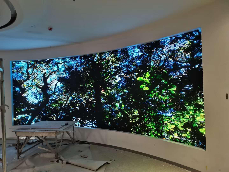 内弧形室内全彩led电子显示屏案例-高清高刷节能设计